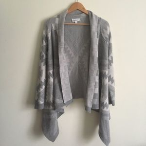 Cloud Chaser | Aztec Grey Print Open Front Sweater